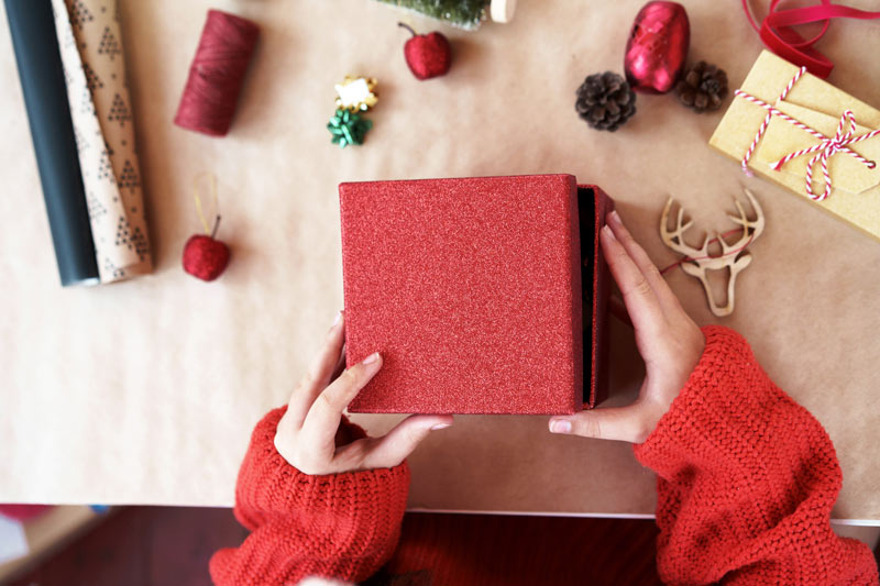 Last Minute Holiday Shipping Tips